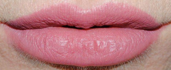 Buxom Plumpline Lip Liner Swatch - Dolly Danger