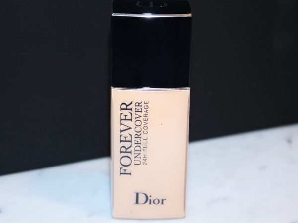 dior forever undercover foundation review swatch before after. Black Bedroom Furniture Sets. Home Design Ideas