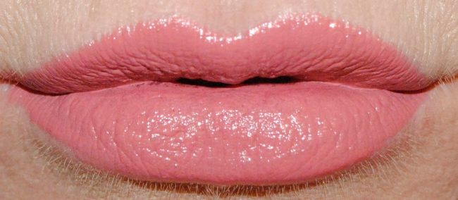 Charlotte Tilbury At Your Lip Service - Duchess Swatch