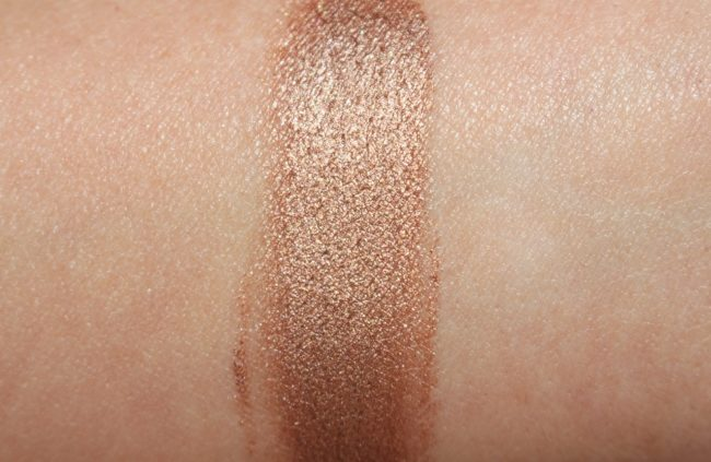 Charlotte Tilbury Star Gold vs Bette Comparison Swatches