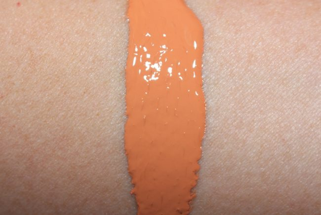 Clinique Beyond Perfecting Super Concealer Swatch - Apricot Corrector