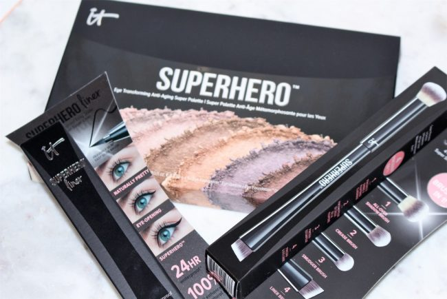 It Cosmetics Superhero Palette + Eyeliner & Brush