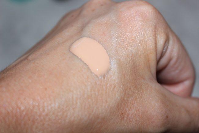 Clarins New Skin Illusion Foundation Swatch 106
