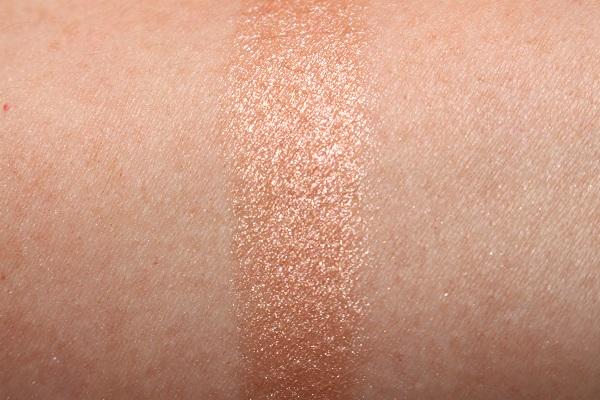 obbi Brown Rosy Highlighting Powder Swatch