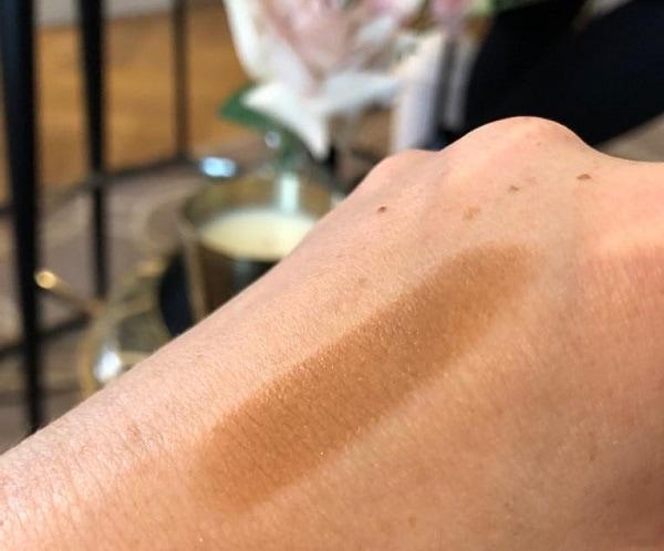 Westman Atelier Face Trace Contour Swatch